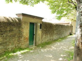 House in Cortona with Private Garden - Cortona vacation rentals