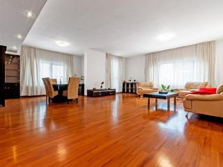 3 Bedrooms Apartment Roma Centro - Rome vacation rentals