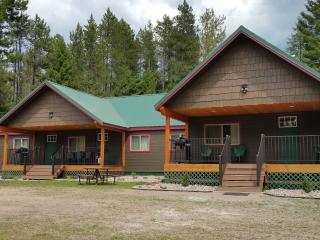 Trout Run at Lazy Bear Lodging near Glacier Park - Hungry Horse vacation rentals