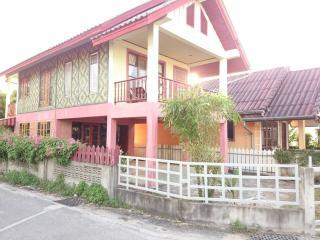 1964 : PHAN 5 2 Bedrooms house 10 mins walk to beach - Bang Tao Beach vacation rentals
