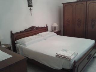 2 bedroom Townhouse with A/C in Calatafimi-Segesta - Calatafimi-Segesta vacation rentals