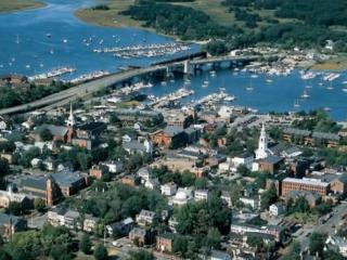 YANKEE HOMECOMING STAY 4 NIGHTS 5th FREE - Newburyport vacation rentals