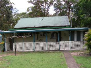 BULAN, 29 KINDARRA ST, AMITY POINT - Amity vacation rentals