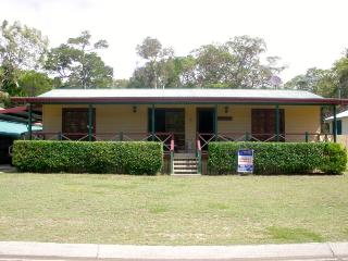 CEDAR LEIGH, 57 Gonzales Street, AMITY POINT - Amity vacation rentals