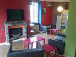 Terranova Family Room - Nesso vacation rentals