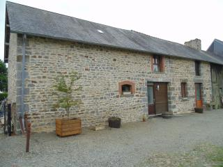 Les Chenes gite, beautiful rural location - Antrain vacation rentals