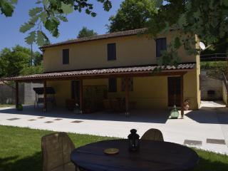 Bright 6 bedroom Farmhouse Barn in Arcevia - Arcevia vacation rentals