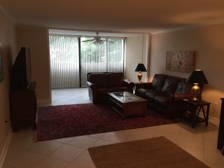 Middleborough 2J, 1825 St. Julian Place - Columbia vacation rentals