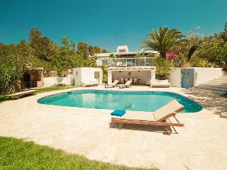 Perfect Villa in Cala Gracio with A/C, sleeps 10 - Cala Gracio vacation rentals