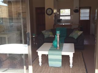 Nice Townhouse with Internet Access and Balcony - Durbanville vacation rentals