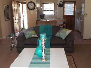Cozy 3 bedroom Townhouse in Durbanville - Durbanville vacation rentals