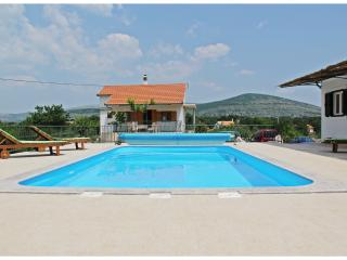 6 bedroom House with Internet Access in Prgomet - Prgomet vacation rentals