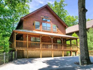 "6br/5ba ""Brookstone Lodge"" Less than a mile off Parkway in Pigeon Forge!! - Pigeon Forge vacation rentals"