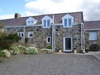 Penffordd Helen - Luxury Barn Conversion Snowdonia - Groeslon vacation rentals