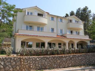 Bright 2 bedroom House in Soline - Soline vacation rentals