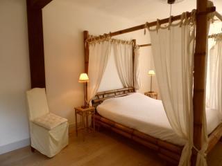 "CHAMBRES D'HÔTES ""chez Mr et Mme WEGEL"" - Bastelicaccia vacation rentals"