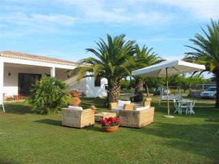3 bedroom Villa with Long Term Rentals Allowed (over 1 Month) in Tortoli - Tortoli vacation rentals
