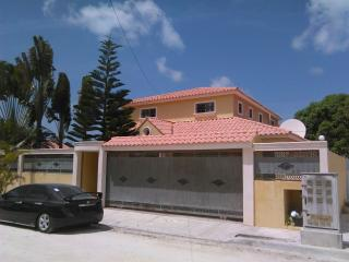 Villa with swimming pool and cars availabIe - Bavaro vacation rentals