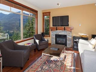 Taluswood the Bluffs 13 | 2 Bed Townhome with Ski Access, Shared Hot Tub - Whistler vacation rentals