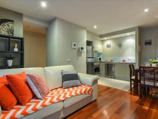 MOMENTS FROM CITY BEACHSIDE RETREAT - Melbourne vacation rentals