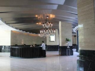 Affordable 1-BR condo In Gramercy - Makati vacation rentals