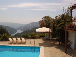 Perfect Villa with Internet Access and Satellite Or Cable TV - Baiao vacation rentals