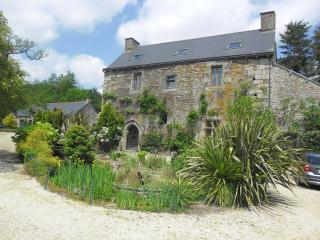 Manoir  de Kerdeven. Ask about late discounts - Plouguernevel vacation rentals