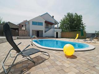Holiday house with pool for 8+3 people - Zadar vacation rentals