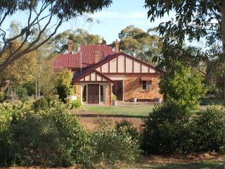 Pierrepoint Bed & Breakfast Chardonnay Suite - Tarrington vacation rentals