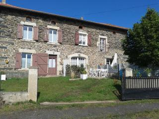 Cozy 3 bedroom Le Puy-en Velay Condo with Television - Le Puy-en Velay vacation rentals