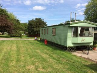 Nice Caravan/mobile home with Internet Access and Short Breaks Allowed - Shobdon vacation rentals
