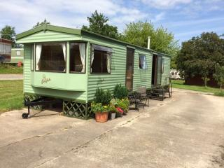 Nice Caravan/mobile home with Internet Access and Television - Shobdon vacation rentals