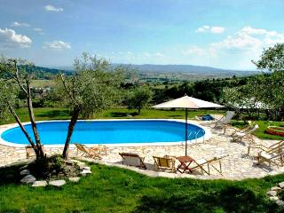 apartments in a castle near to Assisi 814 - Assisi vacation rentals