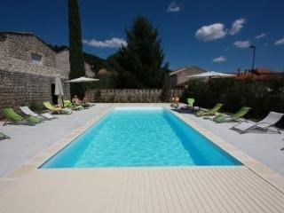 DOMAINE LES BUIS - Saint-Fortunat-sur-Eyrieux vacation rentals