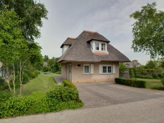 Perfect 3 bedroom Hellevoetsluis House with Internet Access - Hellevoetsluis vacation rentals