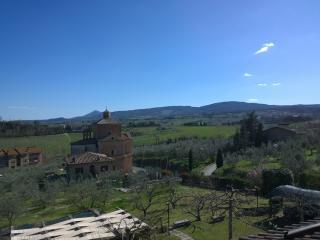 Bright 4 bedroom Chianciano Terme Villa with Balcony - Chianciano Terme vacation rentals
