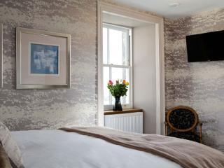 Snowdrop apartment - Crieff vacation rentals