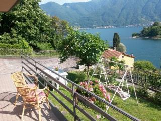 2 bedroom Condo with Internet Access in Ossuccio - Ossuccio vacation rentals