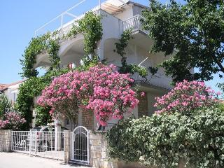 Apartments Milka A1/4 (Ap.5) - Vodice vacation rentals
