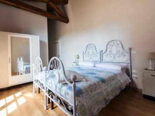 ABBAZIA SETTE FRATI - FRATRES Camera Martialis - Pietrafitta vacation rentals