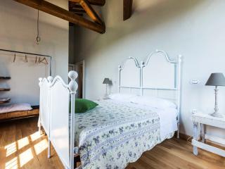 ABBAZIA SETTE FRATI - FRATRES Camera Januarius - Pietrafitta vacation rentals