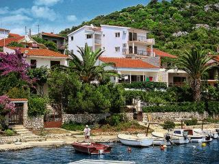 TH00737 Apartment Nevenka / A6 Two bedrooms - Okrug Donji vacation rentals