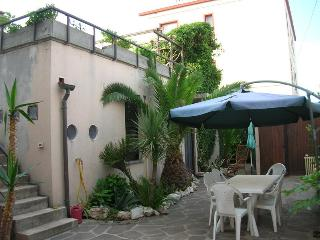 Nice Townhouse with Internet Access and Central Heating - Marotta vacation rentals