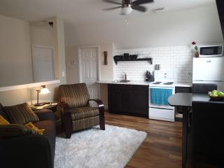 Perfect 1 bedroom Guest house in Terrace - Terrace vacation rentals