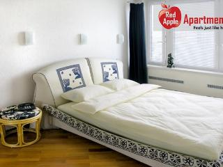 Three Rooms Apartment in Arbat Area: Moscow - 6859 - Moscow vacation rentals