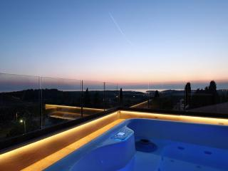 Modern design villa near Porec with breathtaking sea views from roof jacuzzi - Mugeba vacation rentals