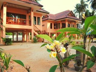 Beach House Thong Krut - Taling Ngam vacation rentals
