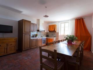 Casa Vacanze Benestare - Appartamento Il Cipresso - Gambassi Terme vacation rentals