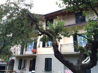 Lenno appartamento con giardino - Lenno vacation rentals
