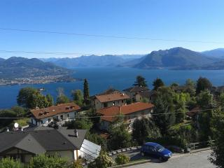 Nice Townhouse with Internet Access and Garden - Stresa vacation rentals